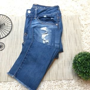 AEO Super Stretch Artisan Crop Distressed Jeans